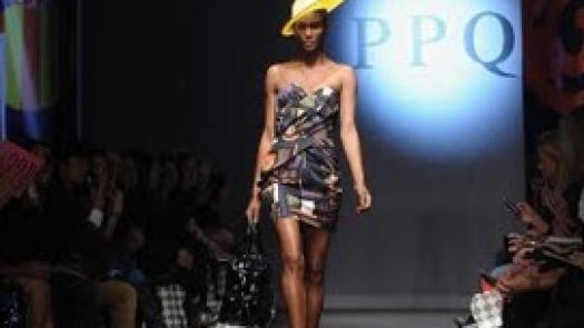PPQ  >>> London Fashion Week 2006 >>>ChairTV - Vikram Kaushal