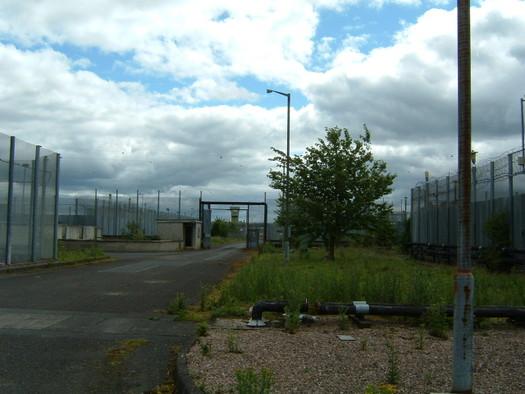 Outside H4, Maze Prison June 2007