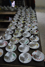 Cups decorated by Dahl ni Pol children